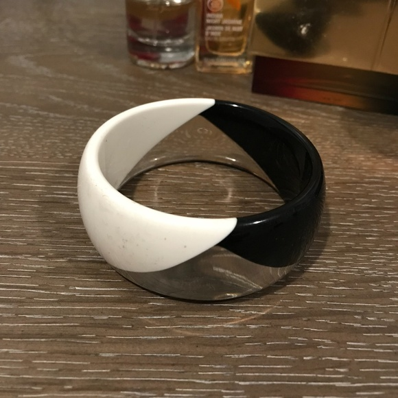 Unknown Jewelry - Vintage Black, White & Clear Mod Lucite Bangle